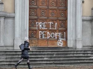 Pedofilia si batte con i preti sposati: Papa Francesco li rifiuta e perdona il pedofilo don Inzoli